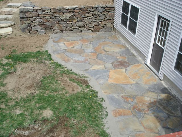 Goshen patio fieldstone wall